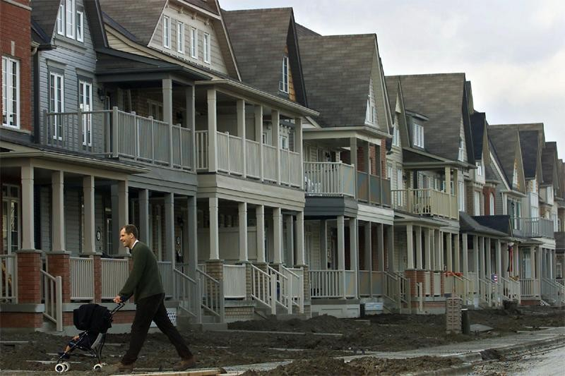 Leprixdesmaisonsabeauavoirexplosé depuis... (Photo: La Presse Canadienne)