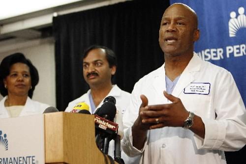 Les médecins de l'hôpital Kaiser Permanente de Bellflower,... (Photo: Reuters)