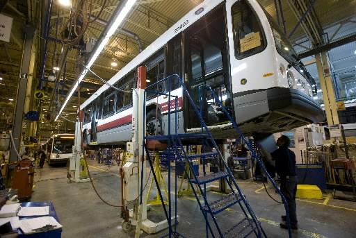 Les véhicules destinés à la ville de New... (Photo: David Boily, La Presse)