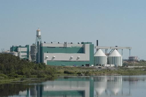 Une usine d'AbitibiBowater à Alma... (Gesca)