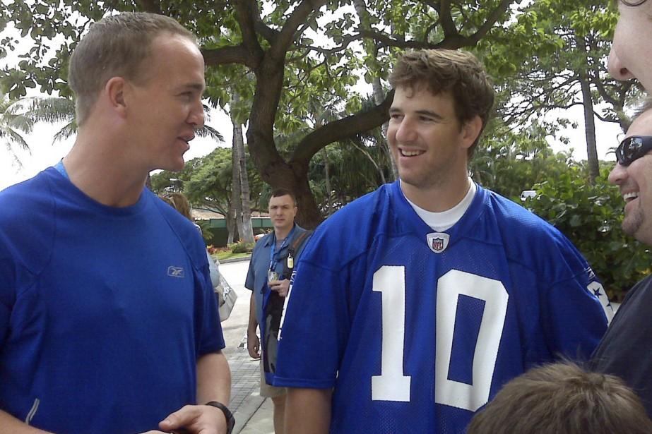 Peyton et Eli Manning... (Photo: AP)