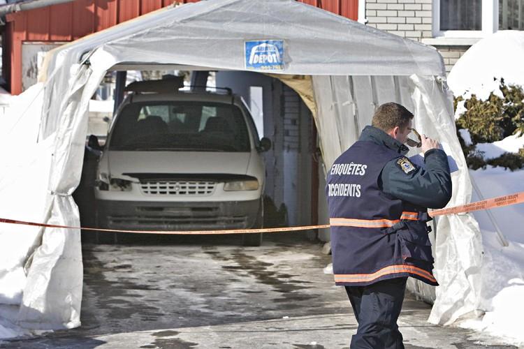 La dame s'est fait écraser par la fourgonnette... (Photo: Patrick Sanfaçon, La Presse)