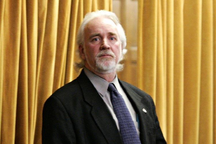 Chuck Cadman... (Photo: PC)