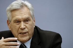 Le ministre allemand de l'Économie, Michael Glos.... (Photo: AP)