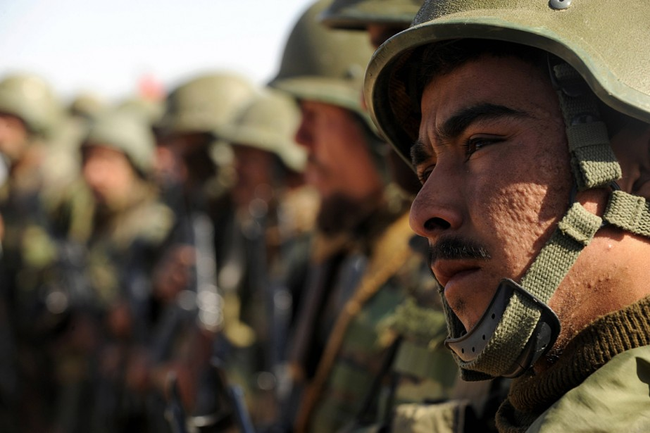 La formation des soldats de l'Armée nationale afghane, la pierre... (Photo AFP)