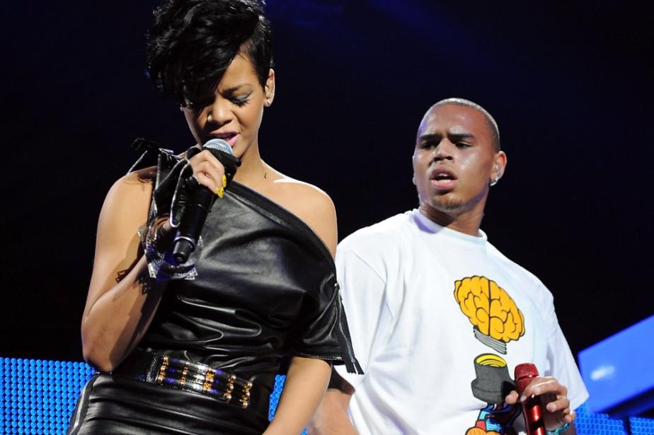 Rihanna et Chris Brown photographiés en décembre 2008.... (Photo: AP)