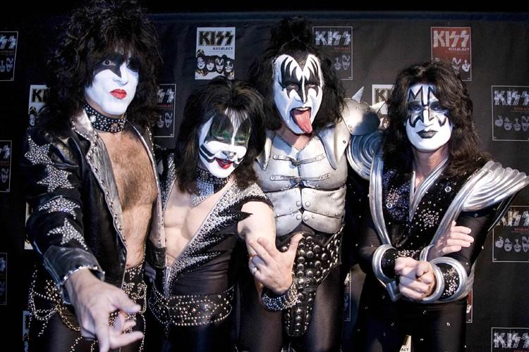 Le groupe Kiss: le guitariste et chanteur Paul... (Photo: Reuters)