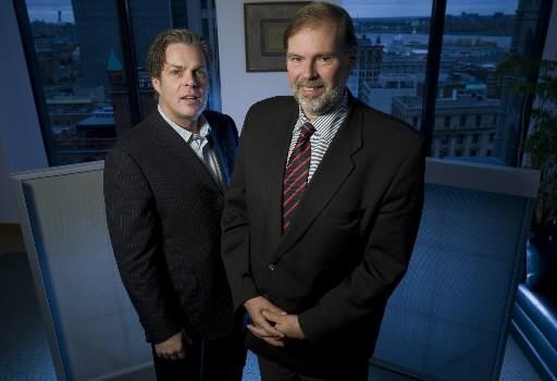 Alain Bolduc et André Leroux, respectivement chef de... (Photo: David Boily, La Presse)