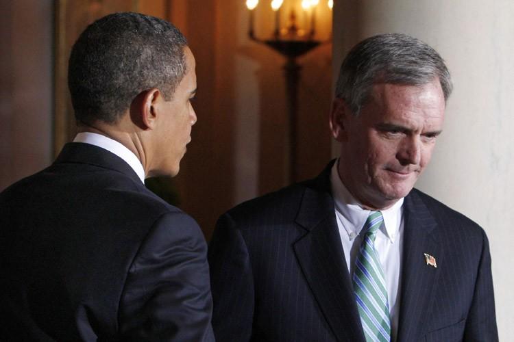 Barack Obama et Judd Gregg.... (Photo: Reuters)