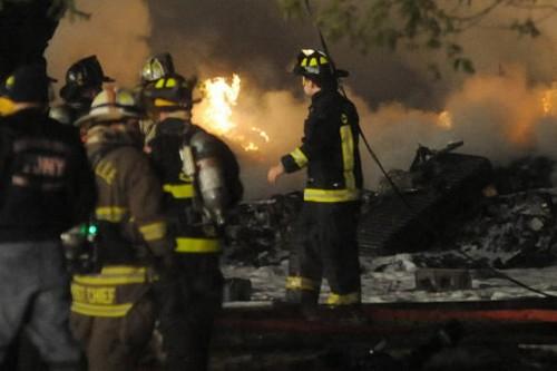 L'appareil s'est écrasé jeudi soir sur une maison... (Photo: Reuters)