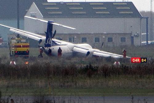 Le 9 septembre 2007, un Dash 8-400 de... (Photo: Archives Reuters)