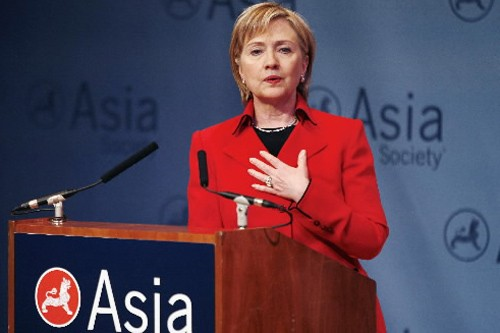Hillary Clinton a livré un discours devant l'Asia... (Photo: Reuters)