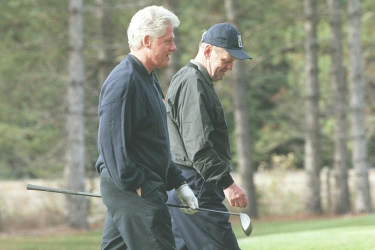 Le 8 octobre 1999, l'ancien président des États-Unis,... (Photo: Armand Trottier, archives La Presse)