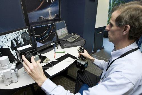 Bruno Blais, instructeur en robotique à l'Agence spatiale... (Photo Alain Roberge, La Presse)