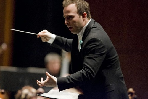 Yannick Nézet-Séguin devant son orchestre vendredi soir, salle... (Photo: André Tremblay, La Presse)