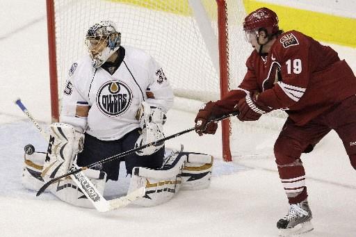 Le gardien des Oilers, Dwayne Roloson, a fait... (Photo: AP)