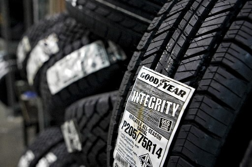Le fabricant de pneus américain Goodyear Tire & Rubber a... (Photo: Bloomberg)