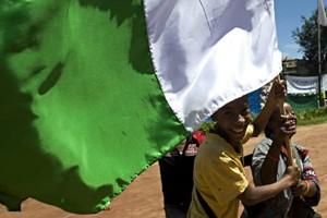 Des jeunes partisans du président Marc Ravalomanana manifestent... (Photo: AFP)