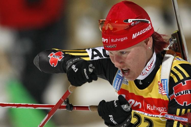 Kati Wilhelm a remporté sa deuxième médaille d'or... (Photo: Reuters)