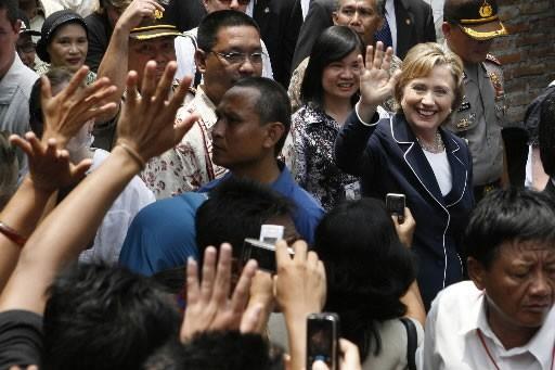Hillary Clinton lors de son passage à Jakarta.... (Photo: AP)