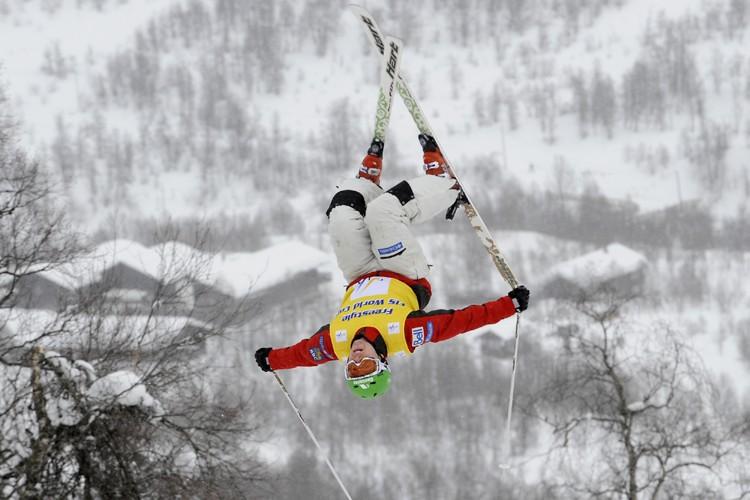 Alexandre Bilodeau a remporté une quatrième victoire consécutive... (Photo: AP)