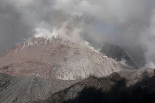 Le volcan Chaiten... (Photo: AP)