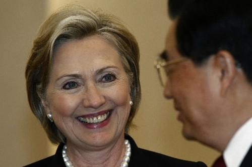 En visite en Chine, Hillary Clinton a rencontré... (Photo: Reuters)