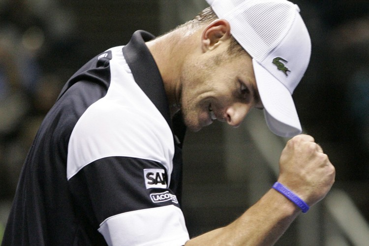 Andy Roddick a remporté son premier titre de la saison 2009,... (Photo: AP)