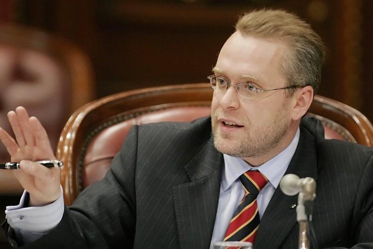 Le ministre des Ressources naturelles, Claude Béchard.... (Photo: PC)