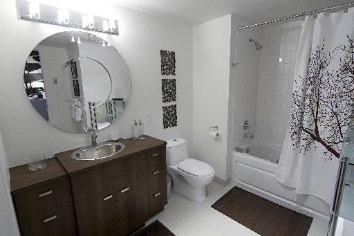 square benny ndg cyberpresse. Black Bedroom Furniture Sets. Home Design Ideas