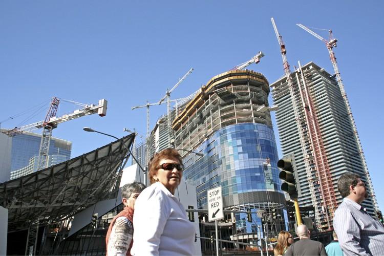 Sur la Strip de Las Vegas, plusieurs chantiers... (Photo: Pénélope Fortier, Collaboration spéciale)