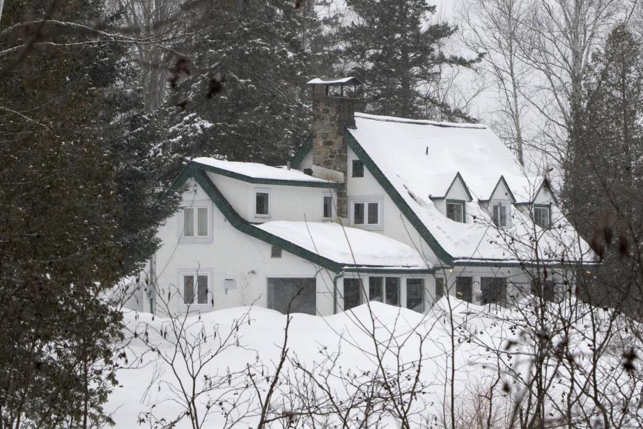 C'est dans cette maison de Prévost que Guy... (Photo Robert Skinner, Archives La Presse)