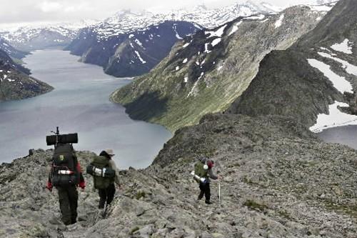 Vous partez pour un long voyage et vos proches... (Photo: Archives AFP)