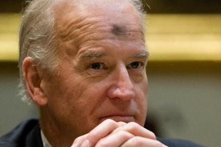 Joe Biden s'est présenté à la conférence de... (Photo: AFP)