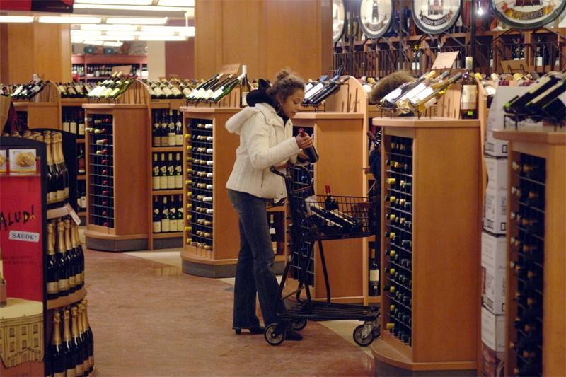 La Société des alcools formera une société en commandite avec le... (La Presse)