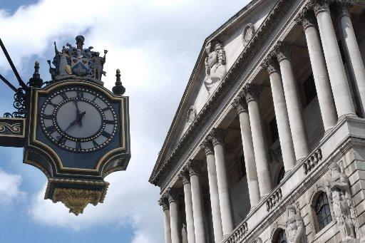 La Banque d'Angleterre a maintenu jeudi son taux directeur... (Photo: Bloomberg)