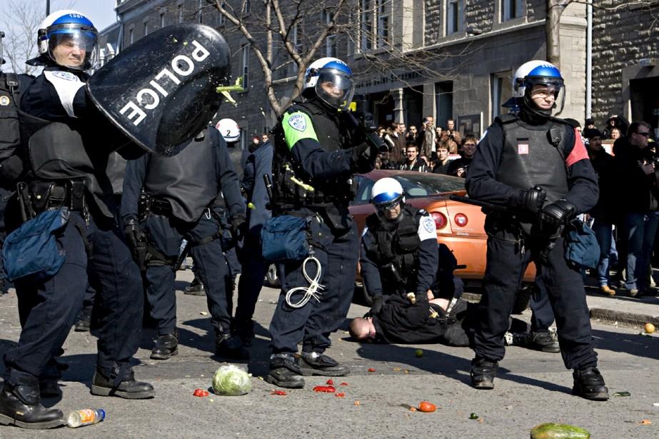 À l'angle des rues Montr-Royal et Berri, des... (Photo: François Roy, La Presse)