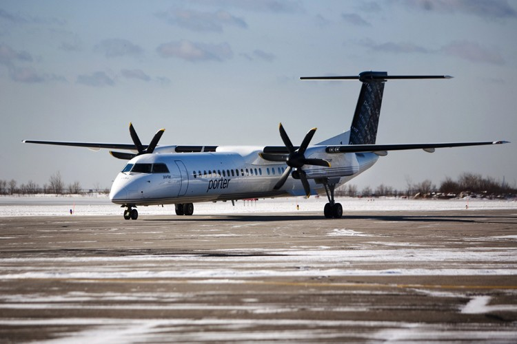 Un appareil Q400 de Bombardier... (Photo: Reuters)