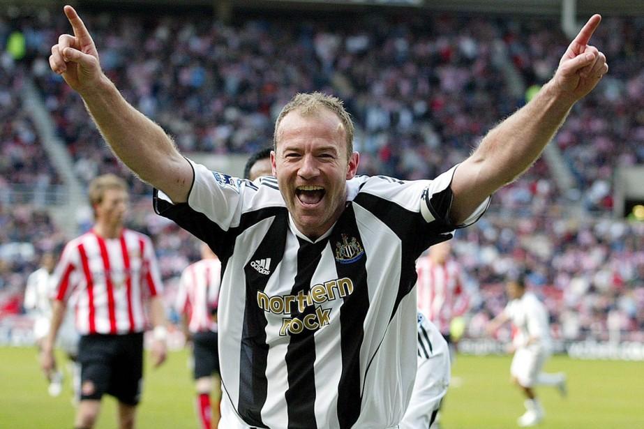 Alan Shearer en 2006 alors qu'il était capitaine... (Photo: AP)