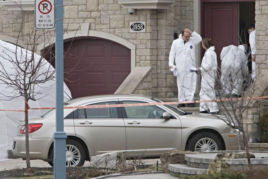 Les enquêteurs étaient toujours sur place ce matin.... (Photo: Patrick Sanfaçon, La Presse)