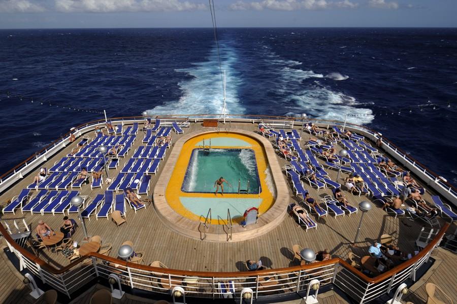 Vue de la piscine sur le pont du... (Photo: Bernard Brault, La Presse)