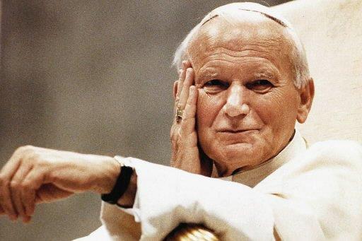 Jean-Paul II... (Photo: Archives AP)