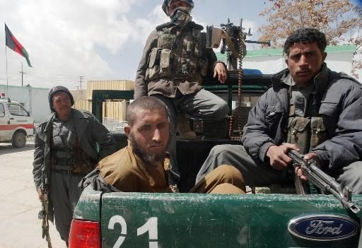 Guerrier taliban arrêté après l'attentat.... (Photo AFP Mohammad Yaqubi)