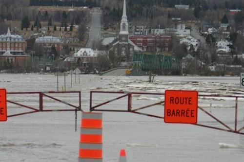 La rivière Chaudière a atteint un niveau inquiétant,... (Photo fournie par André Chamberland)