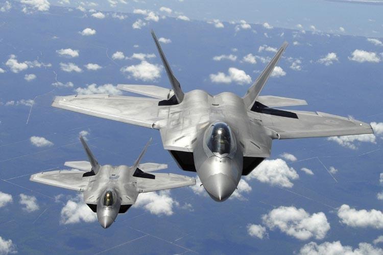 Deux F-22 Raptor.... (Photo: AP)