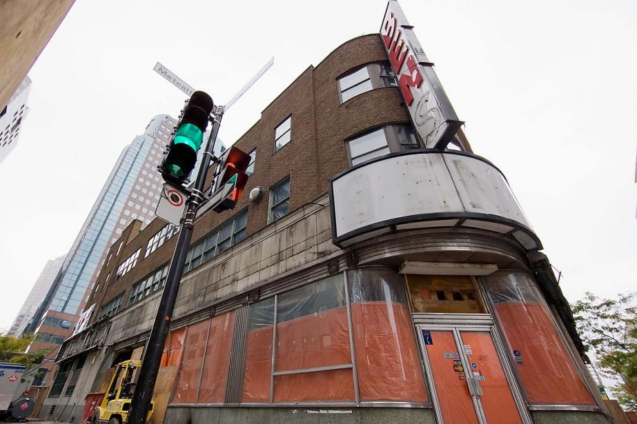Un hôtel de 16 étages remplacera le fameux... (Photo: David Boily, La Presse)