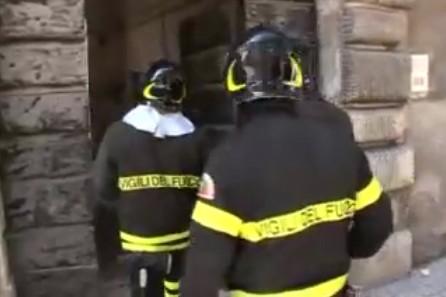 Plus de 150 personnes ont été contraintes d'évacuer leur maison tôt mercredi...