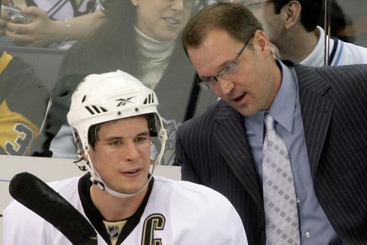 Sidney Crosby et les Penguins présentent un dossier... (Photo: AP)