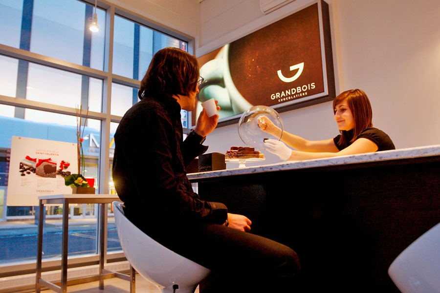 Le bar à chocolat de Geneviève Grandbois au... (Photo: Martin Chamberland, La Presse)