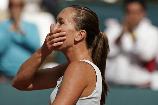 Jelena Jankovic salue la foule après avoir remporté... (Photo: Reuters)